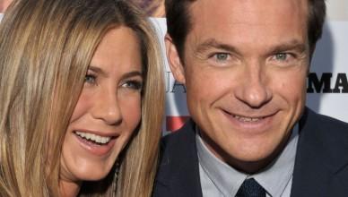 Jennifer-Aniston-Jason-Bateman-office christmas party